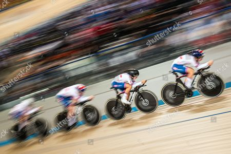 Ellie Dickinson, Laura Kenny, Katie Archibald and Neah Evans of Great Britain compete in the Women's Team Pursuit qualifying.