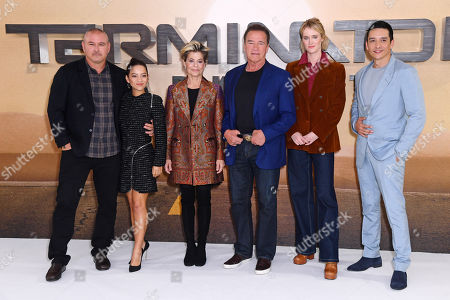 Tim Miller, Natalia Reyes, Linda Hamilton, Arnold Schwarzenegger, Mackenzie Davis and Gabriel Luna