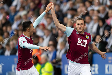 Chris Wood of Burnley celebrates his goal with team-mate Dwight McNeil of Burnley, 0-1