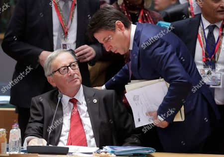 European Commission President Jean-Claude Juncker and Italian Prime Minister Giuseppe Conte (R) during a Brexit summit in Brussels, Belgium, 17 October 2019. According to reports, the EU and the British government have reached a deal for Brexit.