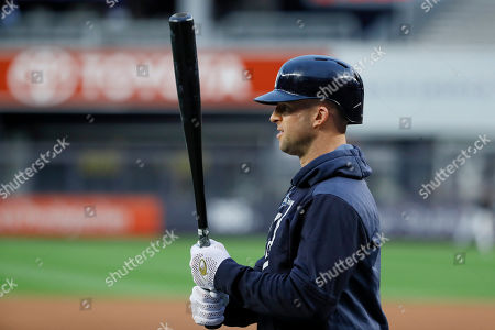 New York Yankees center fielder Brett Gardner prepares to take batting practice before Game 4 of baseball's American League Championship Series against the Houston Astros, in New York