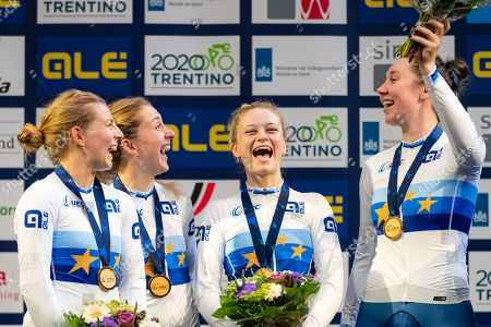 Neah Evans, Laura Kenny, Ellie Dickinson and Katie Archibald of Great Britain win Gold in the Women's Team Pursuit final.