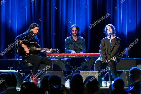 Dave Grohl, Rami Jaffee, Violet Maye Grohl