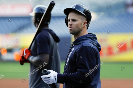 New York Yankees center fielder Brett Gardner prepares to take batting practice before Game 5 of baseball's American League Championship Series against the Houston Astros, in New York
