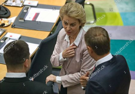 President-elect of the European Commission Ursula Von der Leyen (back) speaks with European Council President Donald Tusk (R) and Estonia's Prime Minister Juri Ratas during the second day of a EU Summit in Brussels, Belgium, 18 October 2019. The European Union (EU) and the British government have reached a tentative Brexit deal that still must be ratified.