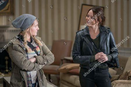 Abigail Breslin as Little Rock and Emma Stone as Wichita