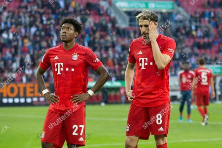 enttaeuschung bei  David Alaba #27 (FC Bayern Muenchen), Javi Martinez #8 (FC Bayern Muenchen)    , FC Augsburg vs. FC Bayern Muenchen, Football, 1.Bundesliga, 19.10.2019,