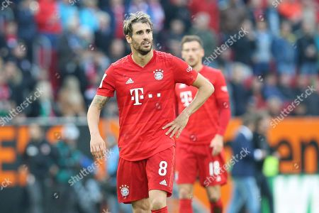 enttaeuschung bei  Javi Martinez #8 (FC Bayern Muenchen)    , FC Augsburg vs. FC Bayern Muenchen, Football, 1.Bundesliga, 19.10.2019,