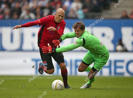 13.10..2019, Football Abschiedsspiel Rafael van Vaart, Rafa's HSV Stars - Rafa's All Stars Volksparkstadium Hamburg. goal  1:1, (L-R) Arjen Robben (Rafa's All Stars)  -  goalkeeper Rene Adler (Rafa's HSV Stars)