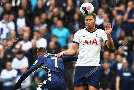 Watford's Gerard Deulofeu (L) in action against Tottenham Hotspur's Jan Vertonghen (R) during the English Premier League soccer match between Tottenham Hotspur and Watford FC in London, Britain, 19 October 2019.