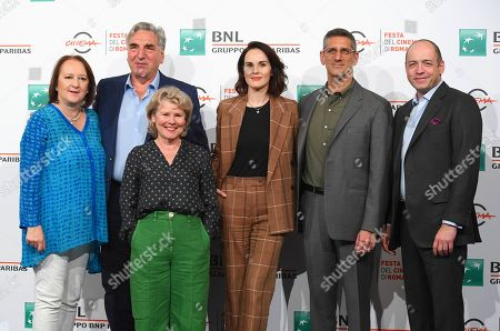 Jim Carter, Imelda Staunton, Michelle Dockery and Michael Engler with the producer Gareth Neame and Liz Trubridge