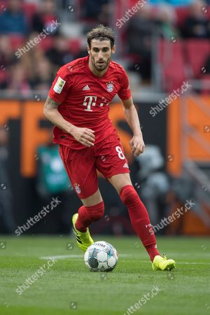 Bayern Munich's Javi Martinez in action during the German Bundesliga soccer match between FC Augsburg and FC Bayern Munich in Augsburg, Germany, 19 October 2019.