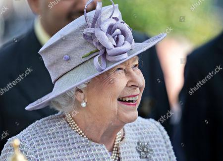 Queen Elizabeth II at the presentation of the Queen Elizabeth II Stakes.