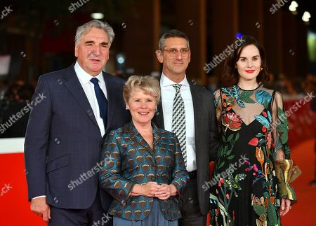 Jim Carter, Imelda Staunton, director Michael Engler and Michelle Dockery