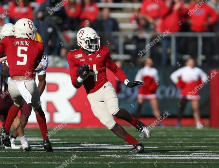 Rutgers Scarlet Knights running back Aaron Young (4) during an NCAA Men's football game between the Minnesota Golden Gophers and the Rutgers Scarlet Knights at SHI Stadium in Piscataway, NJ