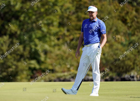 Ian Poulter (ENG) at hole #6 for the second shot