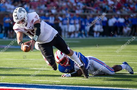 Temple quarterback Anthony Russo (15) dives for the end zone during the fourth quarter of an NCAA college football game against SMU in Dallas