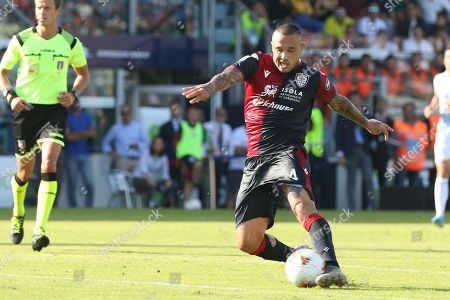 Cagliari's Radja Nainggolan in action during the Italian Serie A soccer match between Cagliari Calcio and S.P.A.L at Sardegna Arena stadium in Cagliari, Italy, 20 October 2019.