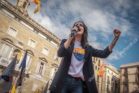 Ines Arrimadas Garcia leader of the center-right party Citizens in Catalonia speaks during the mass act of justice and coexistence in Plaza de Sant Jaume.