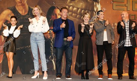 Colombian actress Natalia Reyes, Canadian actress Mackenzie Davis, Austrian-American actor Arnold Schwarzenegger, US actress Linda Hamilton, US actor Gabriel Luna and US director Tim Miller pose during a media event for the movie 'Terminator: Dark Fate' in Seoul, South Korea, 21 October 2019. The movie will open in South Korea's theaters on 30 October 2019.