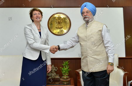 Vice President of the Swiss Federal Council, Simonetta Sommaruga (L), shakes hands with Indian Civil Aviation Minister Hardeep Singh Puri (R) in New Delhi, India, 21 October 2019. Sommaruga is on an official visit to India from 18 to 21 October 2019.