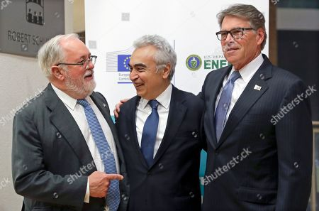 (L-R) European Commissioner for climate action and energy Miguel Arias Canete, International Energy Agency (IEA) Executive Director Fatih Birol and US Secretary of Energy Rick Perry prior to the EU-US high-level forum on small modular reactors (SMR) in Brussels, Belgium, 21 October 2019. The forum is hosted by the European Commission and the US Department of Energy (DOE).