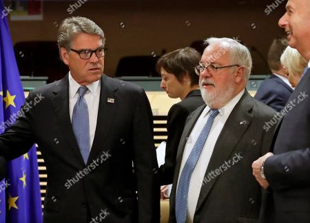 European Commissioner for climate action and energy Miguel Arias Canete (R) and US Secretary of Energy Rick Perry during the EU-US high-level forum on small modular reactors (SMR) in Brussels, Belgium, 21 October 2019. The forum is hosted by the European Commission and the US Department of Energy (DOE).