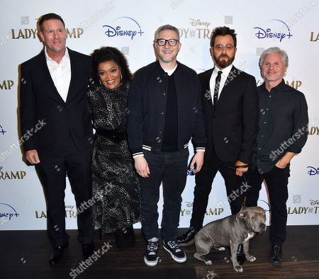 Stock Image of Jason Burkey, Yvette Nicole Brown, Charlie Bean, Justin Theroux and Brigham Taylor and dog