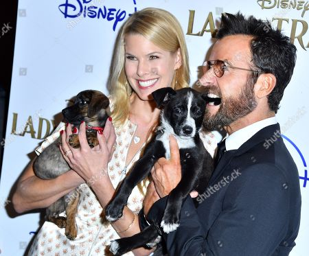 Beth Ostrosky Stern, Justin Theroux and dogs