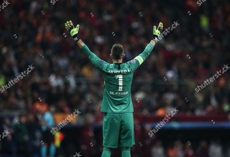 Galatasaray's Fernando Muslera greets his supporters after the UEFA Champions League group A match between Galatasaray and Real Madrid in Istanbul, Turkey, 22 October 2019.