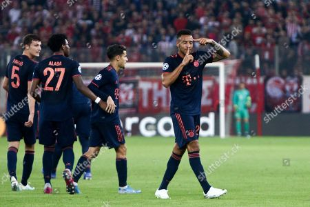 Bayern's players celebrate the third goal by Corentin Tolisso (R) during the UEFA Champions League group B soccer match between Olympiacos F.C. and F.C.Bayern Munich at Karaiskaki stadium in Piraeus, Greece, 22 October 2019.