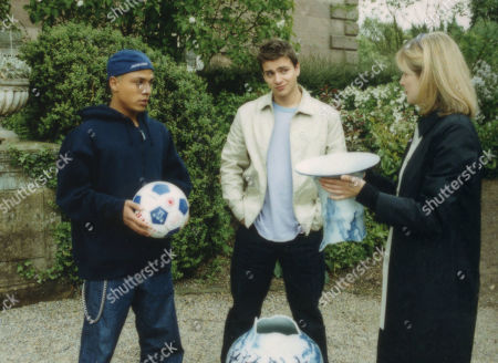 Ep 2958 Thursday 12th July 2001 Tara's nephew Julian causes a smash at Oakwell when he breaks an expensive ornament while playing football with Danny. With Danny Daggert, as played by Cleveland Campbell ; Julian Simmondsbury, as played by James Hoare; Lady Tara Thornfield, as played by Anna Brecon.