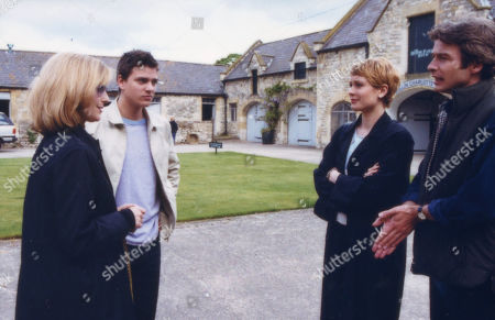 Ep 2957 Wednesday 11th July 2001 Julian arrives in the village. Tara asks Andrew to take him on at the stables; when Andrew refuses, she secretly agrees to pay his wages. With Lady Tara Thornfield, as played by Anna Brecon ; Julian Simmondsbury, as played by James Hoare; Gloria Weaver, as played by Janice McKenzie; Andrew Fraser, as played by Mark Elstob.