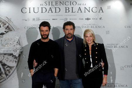 Daniel Calparsoro (C) poses with actress Belen Rueda (R) and actor Javier Rey (L) during the presentation of the film 'El Silencio de la Ciudad Blanca' (lit. The silence of the white city) in Madrid, Spain, 23 October 2019.