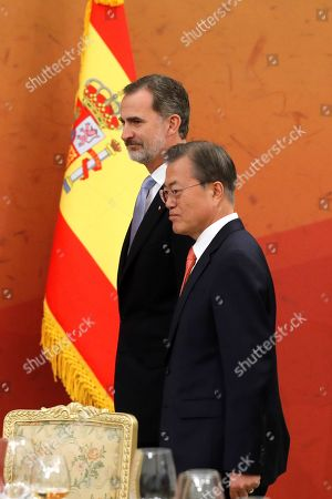 Stock Image of King Felipe VI of Spain (L) and South Korean President Moon Jae-in (R), during the official dinner hosted by Moon Jae-in in Seoul, South Korea, 23 October 2019. King Felipe VI and Queen Letizia of Spain visit officially South Korea for the first time on a two-day visit to develop the bilateral relationship between the two nations.