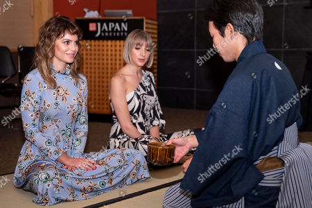 "Girlboss Sophia Amoruso was the special guest speaker at ""Tea in the Moment,"" an event celebrating the wellness benefits of Japanese Green Tea, at the Japan Society in New York. Amoruso turns to Japanese Green Tea to boost mindfulness to help her work smarter with less stress. Go here to learn more: https://greentea-jfoodo.jetro.go.jp in New York"
