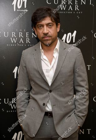 """Alfonso Gomez-Rejon arrives at a special screening for """"The Current War"""" Director's Cut, in Beverly Hills, Calif"""