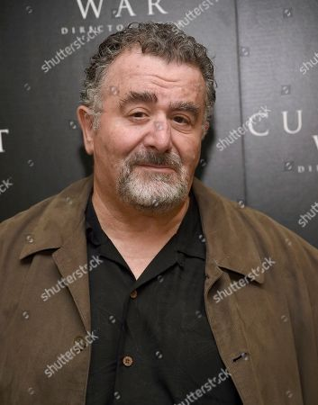 """Saul Rubinek arrives at a special screening for """"The Current War"""" Director's Cut, in Beverly Hills, Calif"""