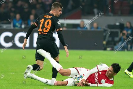 Edson Alvarez (Ajax) duels Mason Mount (Chelsea)