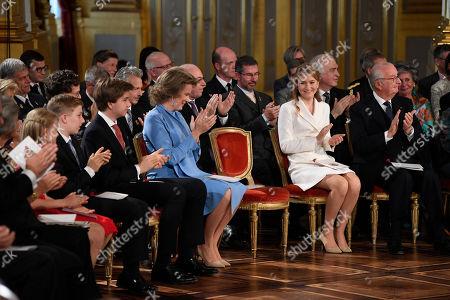 Princess Eleonore, Prince Emmanuel, Prince Gabriel, Queen Mathilde, Princess Elisabeth, King Albert II.