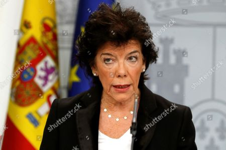 Acting Spanish Government's Spokeswoman and Education Minister Isabel Celaa addresses a press conference after the weekly Cabinet's meeting at La Moncloa Palace, in Madrid, Spain, 25 October 2019. Cela said that the central government has offered 'all the cooperation being in its power' to Catalan authorities to palliate the effects of the heavy storms that hit the region some days ago.