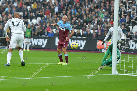 Jack O'Connell of Sheffield United heads and Roberto saved during West Ham United vs Sheffield United, Premier League Football at The London Stadium on 26th October 2019