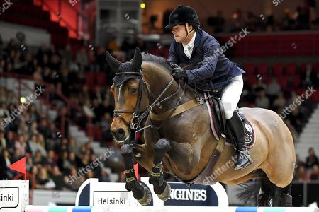 Robert Whitaker of Great Britain winning the Land Rover Grand Prix 160 cm competition