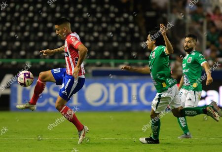 Jorge Diaz (R) of Leon in action against Ricardo Centurion (L) of Atletico San Luis during the Apertura Tournament (Liga MX) soccer match between Leon and Atletico San Luis at the Nou Camp Stadium, in Leon, Mexico, 26 October 2019.