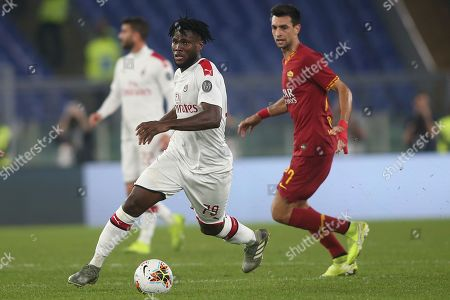 Franck Kessie and Javier Pastore in action