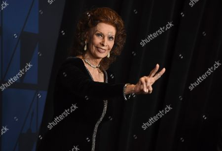 Sophia Loren arrives at the Governors Awards, at the Dolby Ballroom in Los Angeles