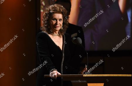 Sophia Loren speaks at the Governors Awards, at the Dolby Ballroom in Los Angeles