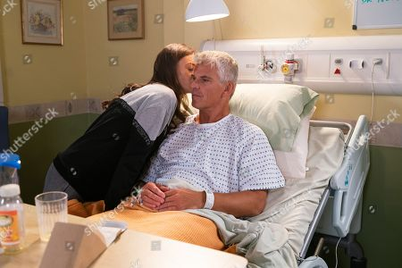 Ep 9924 Wednesday 13th November 2019 - 1st Ep It's a day of musical chairs in Robert Preston's, as played by Tristan Gemmill, room as he tried desperately to get rid of both Michelle and Vicky, as played by Kerri Quinn, before they bump into each other. Will he succeed?