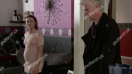 Ep 9926 Friday 15th November 2019 - 1st Ep Robert Preston, as played by Tristan Gemmill, goes to see Vicky, as played by Kerri Quinn, to tell her it is over unaware that Michelle and Carla have his phone and have followed him to the address. Is the game finally up for Robert
