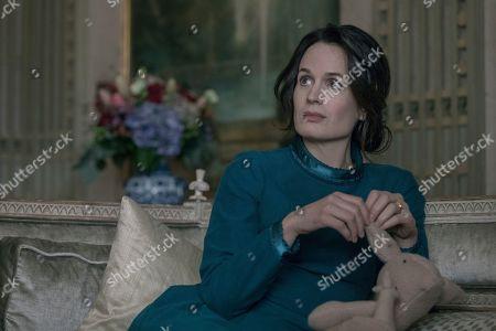 Elizabeth Reaser as Olivia Winslow